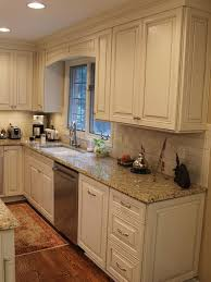 1000 Ideas About Black Granite Countertops On Pinterest by Best 25 Light Kitchen Cabinets Ideas On Pinterest Cream Colored
