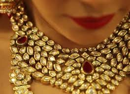wedding jewellery how to choose bridal jewellery that flatters your and skin
