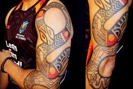 tattooist tatu lu helps indigenous australians wear their pride on