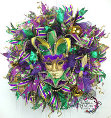 mardi gras mesh how to make a deco mesh mardi gras garland teaching you to make