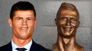 Memes De Cristiano Ronaldo - vea los memes más divertidos sobre el busto de cristiano ronaldo