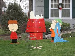 peanuts lawn decorations merry flickr