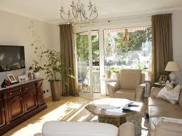 Wohnzimmer In Wiesbaden Modernisierte 4 Zimmer Wohnung Mit Balkon Und Einbauküche In Wiesbaden