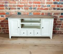 Country Style Tv Cabinet Haven Tv Stand Farningham Oak Country And Contemporary Solid