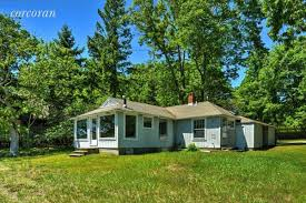 tiny cottages for sale 4 hamptons homes for sale under 700 sq ft curbed hamptons