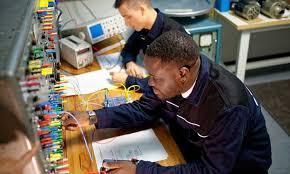technicien bureau d étude électricité fiche métier technicien de maintenance électricité