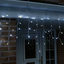 metre led icicle lights in white connectable 320 led s