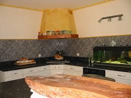 pose d une hotte de cuisine une grande cuisine américaine une pièce à vivre de 50m