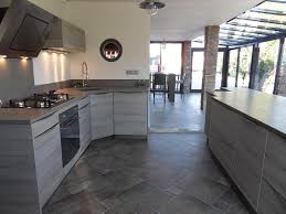 cuisine carrelage gris cuisine carrelage gris anthracite idées de décoration capreol us
