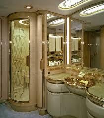 salle de bain luxe photo un salle de bain de luxe elle aussi logée à bord d u0027un jet