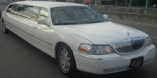 Lincoln Town Car Pictures File Lincoln Town Car Limo Jpg Wikimedia Commons
