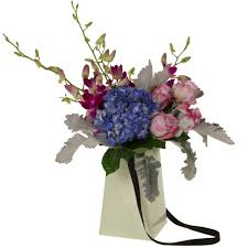 go flowers flowerbox 8 grab go flowerbox grab go vase out of sto