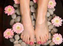 how to do pedicure at home in 5 easy steps