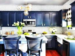 Paint Sprayer For Kitchen Cabinets by Spray Painting Kitchen Cabinets With Chalk Paint Best Tutorials