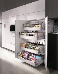 rangement int駻ieur cuisine cuisine les placards et tiroirs amenagement interieur placard
