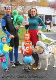 Disney Halloween Costumes Dogs 20 Delightful Family Halloween Costumes Costumes Halloween
