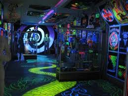 Trippy Room Decor Cool Stoner Bedrooms Trippy Black Light Room Ideas Cool Stoner