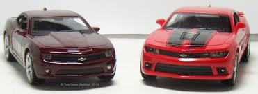 Two Lane Desktop Kinsmart 1 38 2014 Chevy Camaro Ss Vs Maisto 1