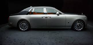 drake rolls royce phantom luxury rollsroyce teases nextgeneration phantom viii ahead