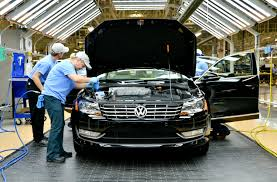 uaw urges volkswagen to accept national labor relations board