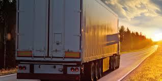 Trailer For Seeking Tractor Trailer Driver Alleges Schneider Driver Cross Center Line