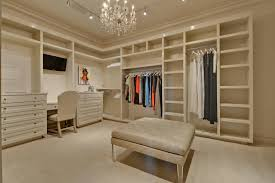 Closet Chairs Walk In Closet In All Its Glory Interior Design Paradise