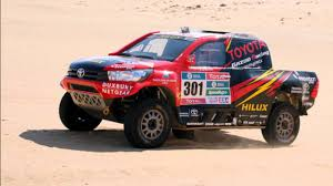 toyota hilux rallye dakar 2017 youtube rally cars pinterest