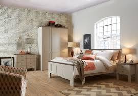Schlafzimmer Komplett Nussbaum Schlafzimmer Komplett Im Landhausstil Modell Sloane Von Wiemann