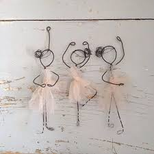 43 wire art sculptures ready to emphasize your space diy