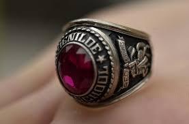 high school senior rings class rings don t cut it as bling startribune