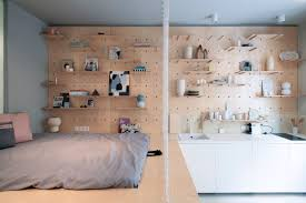 Temporary Bedroom Walls Small Apartment Becomes A Temporary Home For Travelers