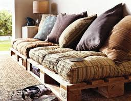 fabriquer coussin canapé diy exemple de grand canapé en palette coussins d assise et une