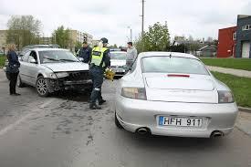 porsche sedan 2015 panevėžyje u201evolkswagen passat u201c vairuotojas nepraleido ir apdaužė