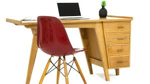 bureau teck massif bureau en teck massif 4 tiroirs et piètement conique collection
