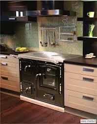 cuisine au bois cuisinière à bois la royale invicta spécialiste européen du