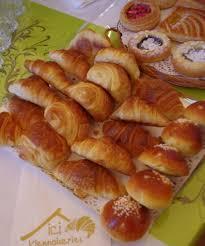 chambre des metiers du loiret loiret r ramos offre 50 croissants à bruno le maire pour le