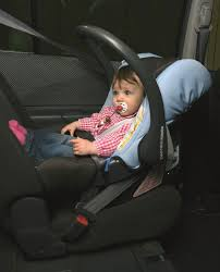reglementation siege auto enfant un enfant sur deux n est pas attaché correctement en voiture