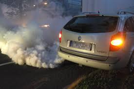 nissan almera jaki silnik poznaj auto po spalinach zobacz co oznacza kolor dymu