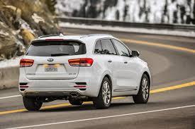 kia sorento vs hyundai santa fe 2017 hyundai santa fe sport vs 2017 kia sorento compare cars