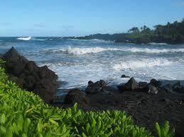 black sand beach hawaii the black sand beaches of hawaii