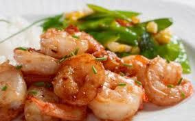 cuisine crevette recette crevettes sautées à l ail économique et rapide cuisine