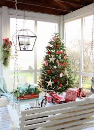 Quick Outdoor Christmas Decorations by Best 25 Screened Porch Decorating Ideas On Pinterest Screen
