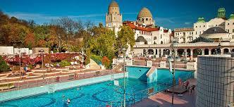 bagno termale e piscina széchenyi bagni termali gellért budapest