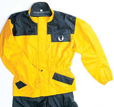 motorcycle rain gear motorcycling in the rain motorcycle cruiser