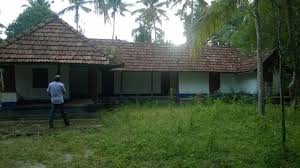 plot 3 34 acre with old nalukettu house for sale near cherthala