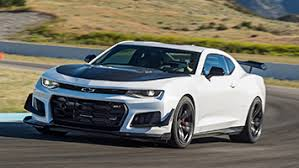 chevy camaro z71 aero and the beast 2018 chevy camaro zl1 1le drive autoblog