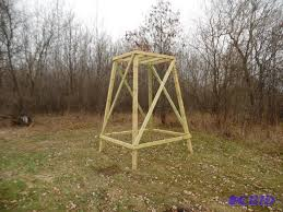 wooden deer stand platform we sell your stuff inc auction 262