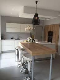cuisine blanc laqué et bois 10 idées de cuisines aux meubles laqués blancs et bois les
