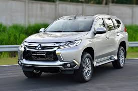 2017 mitsubishi pajero sport news reviews msrp ratings with