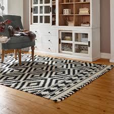 Wohnzimmer Mit Teppichboden Einrichten Parkett Bis Teppich Kleiner Boden Guide Moebel De